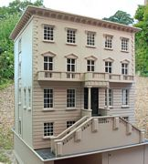 Georgian dolls house: Wisbech House exterior front with grand lift-off steps.